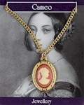 Cameo Necklace Small - Gold Plated